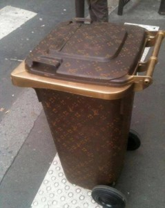 Lv Garbage Bin A New House