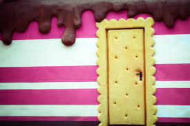 biscuit door