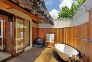 Outdoor Bathroom1